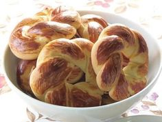 Török bagel Hungarian Recipes, Bagel, Nom Nom, Sausage, Muffin, Goodies, Rolls, Favorite Recipes, Cooking