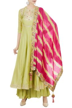 Shop Chandni Rai - Green chanderi gota embroidered kurta & leheriya dupatta Latest Collection Available at Aza Fashions Pakistani Dresses, Indian Dresses, Indian Outfits, Ethnic Dress, Indian Ethnic Wear, Kurta Designs Women, Blouse Designs, Latest Kurti Designs, Indian Designer Outfits
