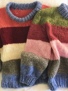 Easy Sweater Knitting Patterns, Easy Knitting, Knitting Designs, Knit Patterns, Knit Jumper Pattern, Knitted Baby Cardigan, Knit Vest, Gros Pull Mohair, Baby Boy Knitting