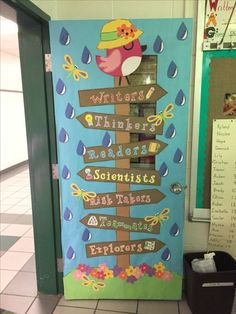 Excellent DIY Classroom Decoration Ideas & Themes to Inspire You Impressive Examples Of Inspirational Class Decoration for preschool. Classroom Design Ideas to Help you Have the very best Class on the Tightest Kindergarten Classroom Decor, Classroom Decor Themes, School Decorations, Classroom Design, Classroom Door Displays, Classroom Borders, Class Decoration Ideas, Preschool Door Decorations, Garden Theme Classroom