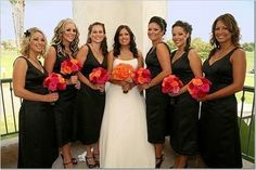 Black dresses and bright blod bouquets
