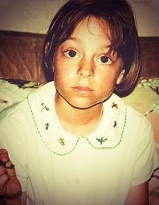 #citizenkid | A 10 ans, Elodie voulait être vétérinaire ou égyptologue. Aujourd'hui, Elodie soigne ses newsletters et ses agendas ou ses communiqués de presse aussi bien que ses phrases et son orthographe.