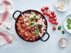 Yhden pannun lihapullapasta | Valio My Cookbook, Paella, Acai Bowl, Chili, Breakfast, Ethnic Recipes, Food, Acai Berry Bowl, Morning Coffee