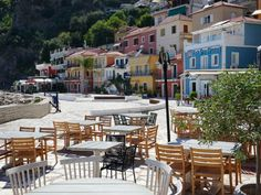 Parga terras op boulevard - © Griekenland.net Corfu, Net, Greece, Patio, Outdoor Decor, Home Decor, Photos, Photograph Album, Homemade Home Decor