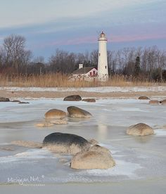Wintertime, Sturgeon Point Lighthouse - Harrisville, MI. Photo: MichiganNut via Flickr