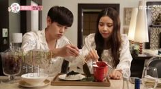 Eric Nam and Solar spend their first night in Dubai on 'We Got Married' http://www.allkpop.com/article/2016/10/eric-nam-and-solar-spend-their-first-night-in-dubai-on-we-got-married