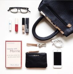 What's in my bag What's In My Purse, One Bag, What In My Bag, What's In Your Bag, My Bags, Purses And Bags, Inside My Bag, Purse Essentials, Magic Bag