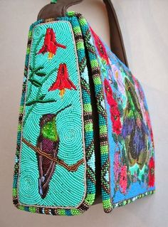ideas for embroidered bird bag Native Beadwork, Native American Beadwork, Beaded Beads, Beaded Jewelry, Beaded Crochet, Crochet Bags, Embroidered Bird, Beaded Embroidery, Loom Beading