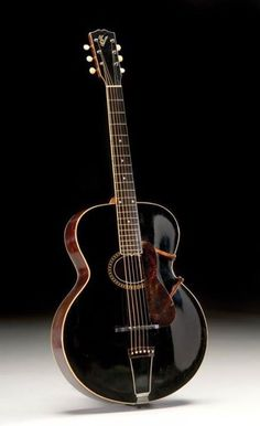 1912 Gibson archtop ♥ How Pretty ♥ Guitar Shop, Jazz Guitar, Guitar Art, Music Guitar, Cool Guitar, Playing Guitar, Custom Acoustic Guitars, Gibson Acoustic, Custom Guitars