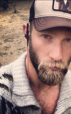 07806df75557e bearded men in knitted things Scruffy Men