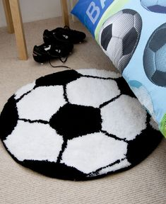 50+ Football Rugs for Kids Rooms - organizing Ideas for Bedrooms Check more at http://davidhyounglaw.com/70-football-rugs-for-kids-rooms-bedroom-wall-art-ideas/