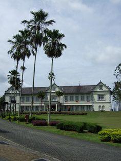 Sarawak Museum - http://malaysiamegatravel.com/sarawak-museum/