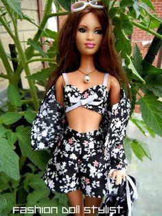 Fashion Doll Stylist Blog. Free Pattern ideas. Video Tutorial, Fashion, etc. Great Site!