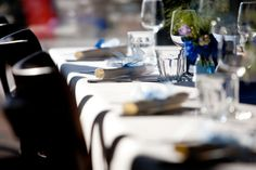Tafelstukjes tijdens brunch trouwdag, bruiloft aankleding &bloemen Borger
