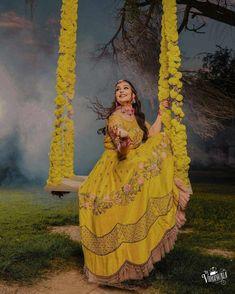 Indian Wedding Photography Poses, Bride Photography, Photography Ideas, Indian Wedding Decorations, Indian Decoration, Decor Wedding, Hippie Decorations, Flower Decorations, Wedding Cards