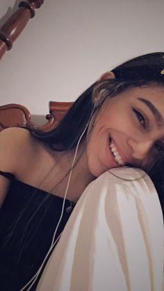 Snap : nicole_cruz23 Ig:nicolecrg Photo Truquée, Fake Photo, Selfie Poses, Selfies, Cute Girl Face, Cute Girl Photo, Girl Photo Poses, Girl Photos, Snap Selfie