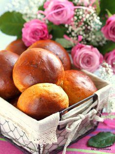 Bułeczki tureckie z rodzynkami. Wypiekanie na śniadanie. | Smaczna Pyza Pretzel Bites, Plum, Bread, Fruit, Food, Brot, Essen, Baking, Meals