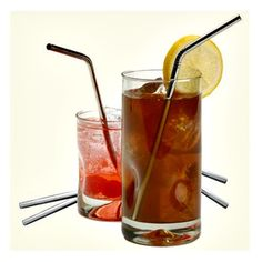 Stainless steel straws are a reusable, ecofriendly alternative to plastic straws. Green Your Summer Outdoor Picnics