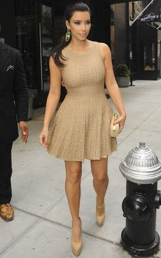 Kim Kardashian wearing Christian Louboutin Lady Daf Platform Mary Jane Pumps Alexander McQueen Knuckle-duster studded suede clutch Azzedine Alaia Asteride Knit Dress Out in New York September 2 2011 Looks Kim Kardashian, Kardashian Style, Kourtney Kardashian, Kardashian Fashion, Kardashian Kollection, Rihanna, Beyonce, Claire Danes, Michelle Trachtenberg