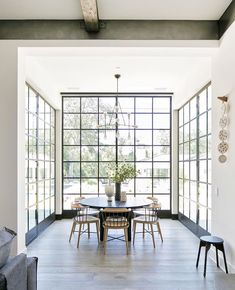 Home interior Design Videos Living Room Hanging Plants Link – Right here are the best pins around Coastal Home interior! Custom Home Builders, Custom Homes, Style At Home, Home Interior Design, Interior Architecture, White House Interior, Interior Windows, Cafe Interior, Interior Decorating