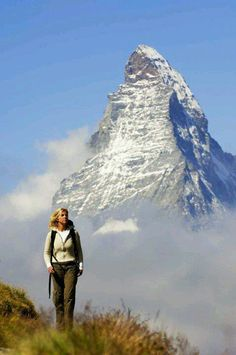 MATTERHORN Zermatt, Look At The Sky, Nature View, Climbing, Places To Visit, Volcanoes, Wallis, Outdoor Adventures, Trekking