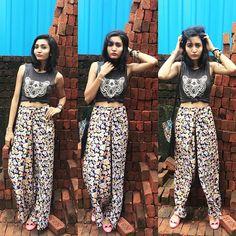 Tdy lungi kinda day  sheer palazzo... Funky look.. Ootd #lookbook #mumbaiblogger #fashionblogger #shopholic #butilike #mumbai #me #poses #fashionista #fashionpassion  pc @siddhi_doshi by be_bhumikasanghani