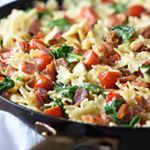This BLT Pasta is a fun twist on everyone's favorite classic sandwich. Easy and delicious 30 minute meal, perfect for busy weeknights! . Grab the recipe here 👉🏻 https://bellyfull.net/2018/02/26/blt-pasta/ . . . . . #recipe #recipes #pasta #bacon #blt #foodstagram #instafood #feedfeed #eeeeeats #foodgawker #foodpics #thekitchn #foodblogger #buzzfeast #BHGfood#yahoofood #f52grams #huffposttaste #forkyeah #todayfood #foodiegram #appetite#foods4thought #cookit #marthafood #buzzfeedfood…