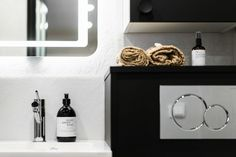 Mattamustaa ja hartsia - Unique Home Body Wash, Bathroom Medicine Cabinet, Unique, Home, Shower Gel, Ad Home, Homes, Haus, Houses