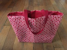 The simple mosaic tote bag in coated cotton. - Octavie in Paris Diy Sac Cabas, Couture Sewing, Diy Couture, Modest Fashion, Cotton Tote Bags, Shopping Bag, Paris Shopping, Collection, Simple