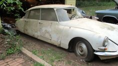 Low And Slow: 1964 Citroën DS19 - http://barnfinds.com/low-and-slow-1964-citroen-ds19/