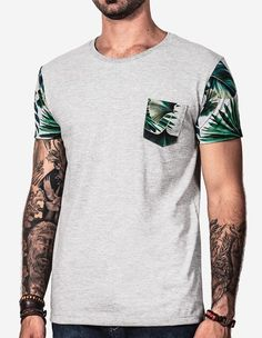 African Dresses Men, African Men Fashion, Casual T Shirts, Cool T Shirts, Tee Shirts, T Shirt Manga, Hunting Clothes, Running Shirts, Stylish Men