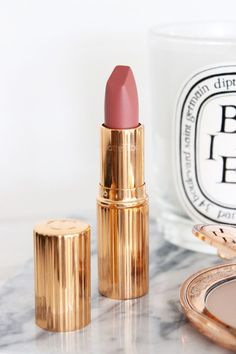 Charlotte Tilbury Matte Revolution Lipstick in Pillow Talk   Review