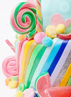like the stripes - candyland cake - Katy Perry Birthday Cake Pretty Cakes, Cute Cakes, Beautiful Cakes, Candy Theme, Candy Party, Candy Cakes, Cupcake Cakes, Mini Cakes, Katy Perry Birthday