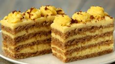 Această prăjitură cu nuci întrece orice tort! Atât de gustoasă, încât toți vor dori să o guste! - savuros.info Romanian Desserts, Romanian Food, Baking Recipes, Dessert Recipes, Torte Recepti, Mousse Cake, Vanilla Cake, Food To Make, Food And Drink