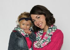 Chevron infinity scarves for mama, toddlers and babies. These are great for the fall weather and make great Christmas gifts! #chevroninfintyscarf #christmasgift
