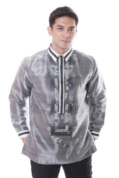Organza Pina Barong Tagalog with Lining Black 002 Barong Wedding, Barong Tagalog, Filipino Fashion, Wedding Dress Trends, Wedding Ideas, Concert Dresses, Traditional Dresses, Traditional Wedding, Filipino Culture