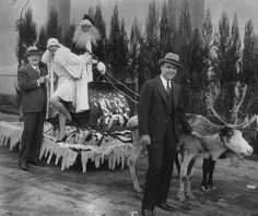 1928 The Genesis Of Hollywood's Famous Santa Claus Lane Parade Was Idea Of The Hollywood's Merchants Assoc. The First Slei...