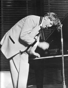 JERRY LEE LEWIS - THE KILLER  FLAMBOYANT, OVER-THE-TOP ROCK PIONEER. DATES;12/6/77 - 12/7/77 - 5/10/80