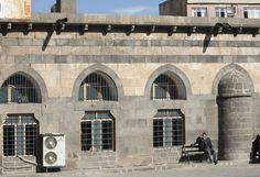 Diyarbakır Ulu Camii in Diyarbakir Turkey. Courtyard: close view of facade of Şafi Kısmı on north side, west end. https://archnet.org/sites/1927?utm_content=bufferf396e&utm_medium=social&utm_source=pinterest.com&utm_campaign=buffer