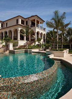his 9,800-square-foot Mediterranean villa, situated in one of the most prestigious waterfront communities of Naples, Florida, was designed by John Cooney, AIA, of Stofft Cooney Architects (stofft.com). Kurtz Homes served as the general contractor.
