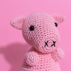 Pig has many friends these days! So I decided to make a special shot! Pink pig with pink background! Cuteness overload! If you're still in follow the link in bio! by katshandmadeitems