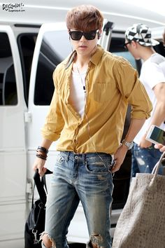 K-AIRPORT FASHION : Photo Korean Airport Fashion, Korean Fashion Men, Kpop Fashion, Mens Fashion, Travel Fashion, Cnblue, Minhyuk, Korean Celebrities, Celebs