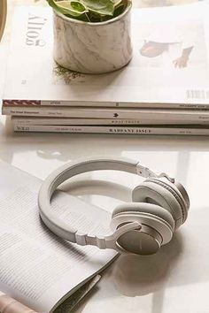 Urbanista Seattle Wireless Headphones - Urban Outfitters | @giftryapp