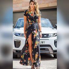 """Cool The Sack en Instagram: """"@daniela_ospina5 más que bella con vestido de colección HEAVEN de DOLORES PROMESAS para COOL THE SACK, estilismo by @anaantic 🌸 Dani & Ana…"""""""