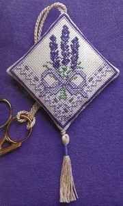 Victorian Lavender Scissor Keep