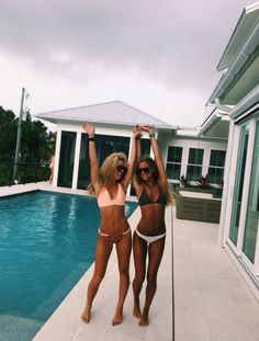 Bff goals, best friend goals, go best friend, best friends, summer Bff Pics, Cute Friend Pictures, Friend Photos, Family Pictures, Photo Summer, Summer Pictures, Beach Pictures, Beach Pics, Insta Pictures