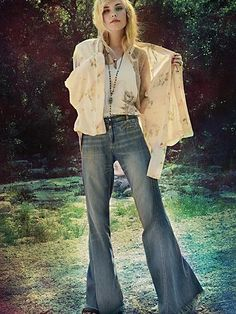 i just wanna rock the crap outta some bellbottoms all the time. why can't skinnies and bells just live in harmony? why must one be fazed out and another be the ONLY THING YOU CAN FIND IN ANY STORE!?!?!!? some people are NOT built to wear little tiny skinny jeans and delicate silk blouses and ballet flats... {end rant!}