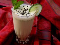 Uborka lassi Lassi, Curry, Safe Search, Taste Buds, Glass Of Milk, Pudding, Drinks, Desserts, Smoothie