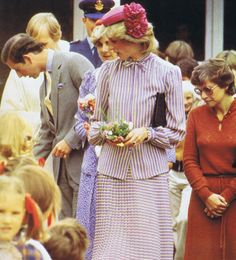 1983-04-10 Diana and Charles attend Sunday Morning Service at St Paul's Anglican Church, Holbrook, New South Wales