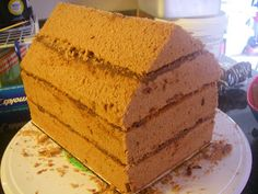Χριστουγεννιατικα σπιτάκια από κέικ ! Cornbread, Vanilla Cake, Ethnic Recipes, Desserts, Food, Strawberry Shortcake House, Millet Bread, Tailgate Desserts, Deserts